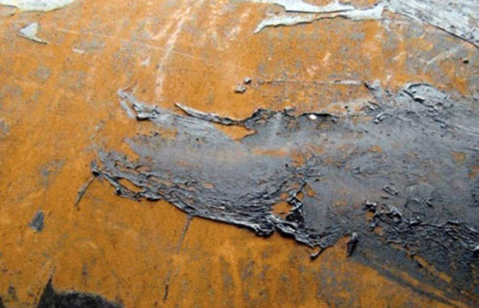 underground pipeline coating damaged by rust
