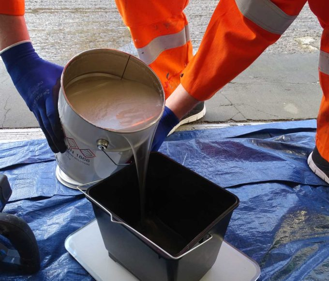 pmma-based universal primer poured